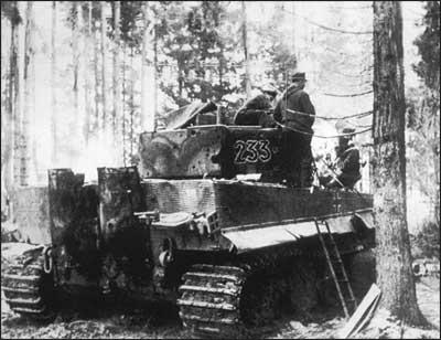 Tiger I, number 233, sPzAbt.510, Kurland sector, 1944