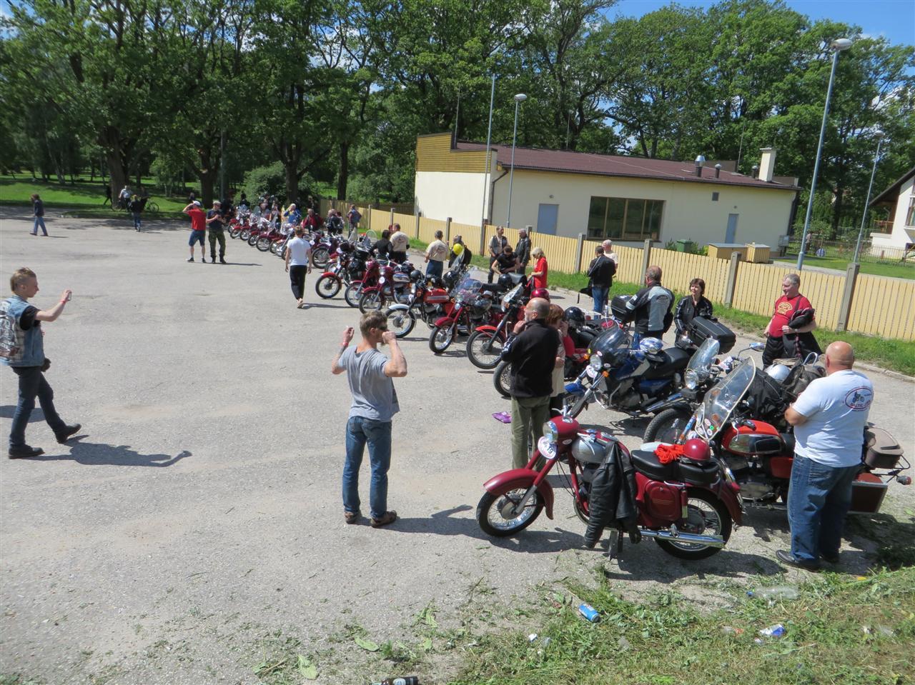 www.bildites.lv/images/ge3hax7tq1oflpodzi8.jpg