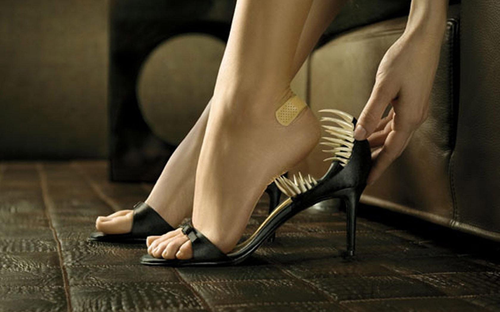 Целовать женскую обувь фото 21 фотография